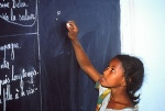 niger_girl_at_blackboard